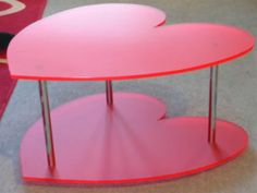 There's something soo cute about heart shaped items. I digg Funky Furniture, Furniture Decor, Acrylic Furniture, Muebles Shabby Chic, Living Room Decor, Bedroom Decor, Cute House, Barbie Dream House, Pink Room