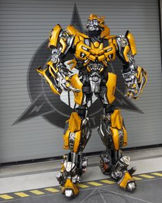 Bumblebee Transformers at Universal Orlando Orlando Travel, Orlando Vacation, Florida Vacation, Florida Travel, Orlando Florida, Universal Studios Florida, Universal Orlando, Disney Vacations, Disney Trips
