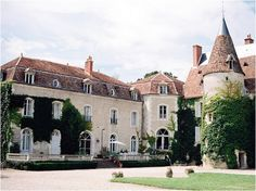 Wedding Chateau France  | Image by CKB Photography, see more http://www.frenchweddingstyle.com/wedding-at-chateau-le-plessis/