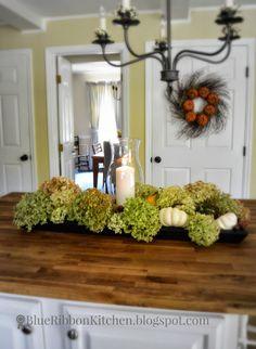 Blue Ribbon Kitchen: DRIED HYDRANGEAS | wreath & centerpiece