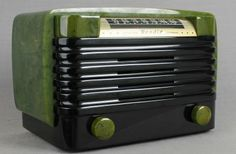 Awesome GREEN marbleized Bendix Catalin Radio w/ jet black louvered grill