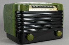 GREEN marbleized Bendix Catalin Radio w/ jet black louvered grill