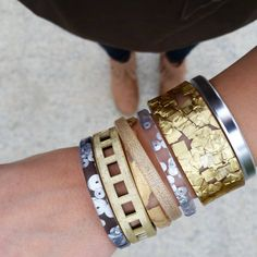 Want an easy way to incorporate one of the top 5 fall fashion trends into your wardrobe? Instead of going full metallic in your outfit, throw on a metallic arm party. | | #jointhejewelryrevolution All available in shop link in bio