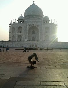 Hatha Yoga at the Taj Mahal. For Kata