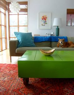 Gorgeous green coffee table. Plans and how-to on knock off wood.