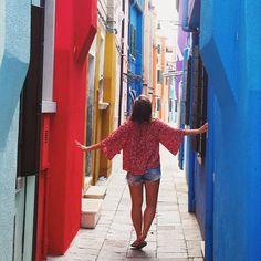 Adventure is out there! Beautiful Burano in Venice   Wanderlust   Adventure   Nevre stop exploring   Italy   Italie   Venezia #neverstopexploring #colourfulworld #venice #travelbirdwin @travelbird #wanderlust #passionpassport #burano #travelette #igersitalia #airhead #airheadsflock #sharetravelpics