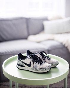 Nike internationalist prm white photo by Karen van Duijvenbode