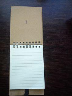 Llibreta amb paper a ratlles