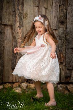 Φόρεμα βάπτισης Vinte Li 2919 μαζί με κορδέλα για τα μαλλιά, annassecret, Girls Dresses, Flower Girl Dresses, Wedding Dresses, Fashion, Dresses Of Girls, Bride Dresses, Moda, Bridal Gowns, Alon Livne Wedding Dresses