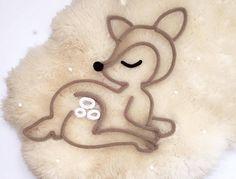 Le petit faon en tricotin Bambi Faon et demi-couronne de
