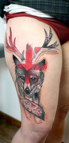 One of my favorite tattoo artists, Peter Aurisch, who works in the city of Berlin, Germany. Tattoo Skin, Body Tattoos, New Tattoos, Trendy Tattoos, Unique Tattoos, Tattoos For Women, Geometric Fox, Geometric Shapes, Geometric Tattoos