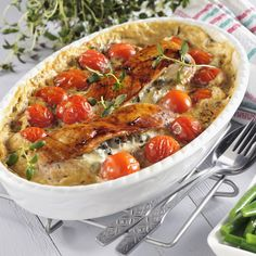 Ädelostfylld kyckling Thai Red Curry, Broccoli, Chili, Salsa, Soup, Chicken, Ethnic Recipes, Antibes, Green Bean