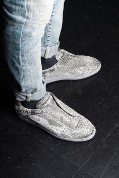 sneaker spotlight #sneaker #sotd #sneakeroftheday #kicks #maisonmargiela #scififuture