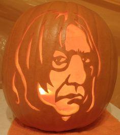 Snape Pumpkin Light by johwee on DeviantArt Harry Potter Pumpkin Carving, Scary Pumpkin Carving, Pumpkin Carving Contest, Pumpkin Carvings, Diy Halloween Decorations, Halloween Ideas, Halloween Party, Pumkin Stencils, Harry Potter Halloween