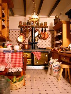 my dolls' house kitchen Vitrine Miniature, Miniature Rooms, Miniature Kitchen, Miniature Houses, Mini Kitchen, Toy Kitchen, Rustic Kitchen, Diy Dollhouse Kitchen Appliances, Modern Dollhouse Furniture