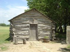 Reproduction of the Little House on the Prairie cabin where Laura Ingalls Wilder lived in Laura Ingalls Wilder, Kansas, Ingalls Family, Cabins In The Woods, Log Homes, Tiny Homes, Handmade Home, Little Houses, Missouri