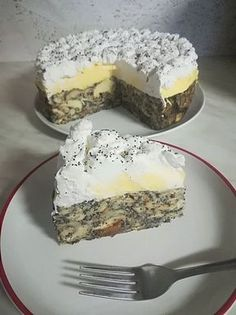 A mákos guba nagy kedvencünk, de ez a torta, elbűvölt! Elmondhatatlanul finom és nem is nehéz elkészíteni, a családi ebédek után remek választás. Hozzávalók: 12 db kifli 1 l tej 3 db tojás sárgája 10 dkg vaj 1 cs vanília … Egy kattintás ide a folytatáshoz.... →