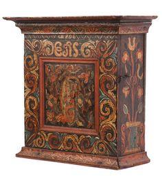 Hengeskap med org. malt dekor, eierinitialer og dat 1806. (63x64x29cm)