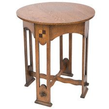 A Lovely Arts and Crafts Oak Occasional Table : The British Antique Dealers' Association Table Furniture, Antique Furniture, Mission Style Furniture, Arts And Crafts Furniture, Modern Side Table, Wooden Projects, Arts And Crafts Movement, Occasional Tables, Hall Tables