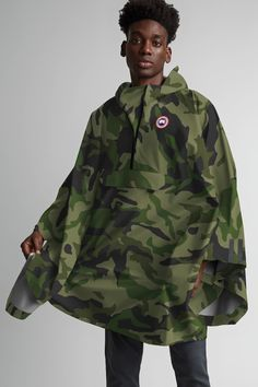 Military Poncho, Military Jacket, Jacket Men, Canada Goose Camo, Mens Cape, Cold Weather Gear, Rain Poncho, Slim Fit Jackets, Cozy Scarf