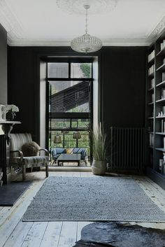 Modern Extension Using Crittall Windows Refreshes Victorian Terrace House Black is the color of choice inside the modern London home extension Victorian Terrace House, Victorian Homes, Victorian London, Villa, Farmhouse Side Table, London House, London Townhouse, Home Upgrades, House Extensions
