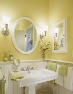 75cdb5497697fb542a805fcf43870cf2 2013 Yellow Bathroom