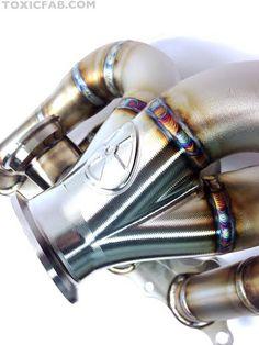 Amazing turbo manifold by toxic fab!