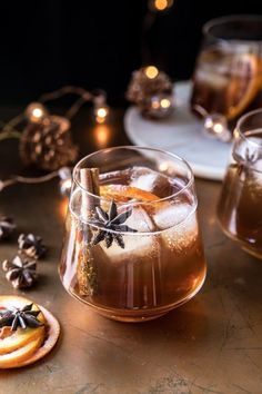 Beste Cocktails, Bourbon Cocktails, Winter Cocktails, Cocktail Drinks, Cocktail Recipes, Coffee Cocktails, Cocktail Shaker, Drinks With Bourbon, Cocktail Movie