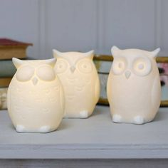 Keep your little treasures safe from night time frights with one of these high-quality quirky ceramic owl night lights from the Lisa Angel Homeware Collection.These unique ceramic children's night lights in three super cute owl designs.