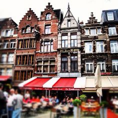 Belgium is so fantastic.  Chocolate, fries, waffles, and beer - they have it all!