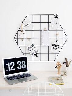 Showrek in vernieuwde vorm: de hexagon! Haal deze trendy zeshoek nu in huis en pimp 'm met je mooiste kaartjes, knijpers, foto's en memo's!