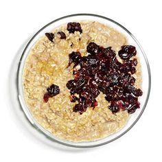 Breakfast idea: muesli with cherries Quick Healthy Breakfast Ideas & Recipe for Busy Mornings Low Calorie Breakfast, Quick Healthy Breakfast, Perfect Breakfast, Breakfast Ideas, Diet Snacks, Healthy Snacks, Healthy Recipes, Healthy Eating, Healthy Breakfasts
