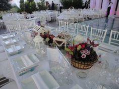 Foto de 2 Weeks on Saturday - www.bodas.com.mx/articulos/consejos-para-decorar-mesas-de-boda-rectangulares--c5658