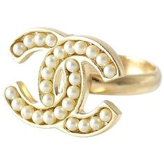 Pre-owned Chanel Signature Logo Ring, Faux Pearl #6 ($580) ❤ liked on Polyvore featuring jewelry, rings, accessories, light gold, chanel jewelry, pre owned rings, pear ring, faux pearl jewelry and pre owned jewelry
