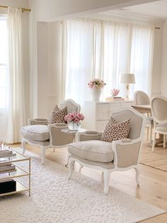 The Pink Dream Vintage Chic Walmart Furniture Decor Favorites &; The Pink Dream EF W evafweb Townhouse Interior Vintage Chic Walmart Furniture […] living room decor French Living Rooms, Glam Living Room, French Country Living Room, Living Room Chairs, Rugs In Living Room, Home And Living, Living Room Designs, Living Room Decor, French Room Decor