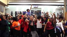 'Just watch!' Teacher leads students in perfect 'Uptown Funk' routine