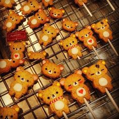 adorable rilakkuma cookies! if i was a bigger fan of sweets and liked baking things, i'd made these in an instant!! :D