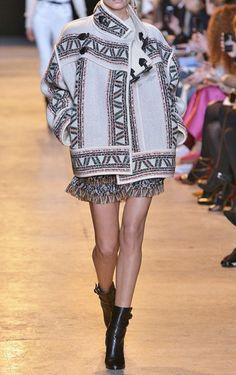 Get inspired and discover Isabel Marant trunkshow! Shop the latest Isabel Marant collection at Moda Operandi. Fall Fashion Outfits, I Love Fashion, Fashion Show, Fashion Fashion, Isabel Marant, Fall Winter 2015, Autumn Winter Fashion, Column Dress, Madison Avenue