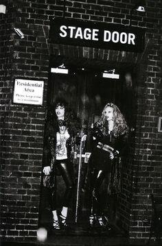 Vogue Italia Suggestions Dioni Tabbers & Sarah Stephens by Ellen von Unwerth Blues Rock, Rock Concert Fashion, Dioni Tabbers, Rock And Roll Fashion, Rock Star Party, Music Express, Ellen Von Unwerth, Rock Chick, Nyc Photographers