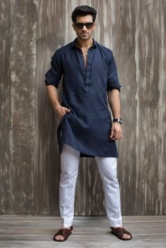 Sublime Wonderful Indian Men Fashion Ideas You Must Have Men's fashion style is identical to everyday clothes that are relaxed, comfortable, and not so complicated. Note that if your clothing style is far fr. Mens Indian Wear, Mens Ethnic Wear, Indian Men Fashion, Arab Fashion, Indian Man, Indian Groom, Gents Kurta Design, Boys Kurta Design, Kurta Pajama Men