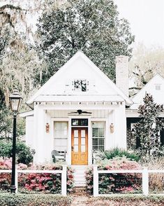 Ideas For Exterior Design Curb Appeal Home Exterior Design, Interior And Exterior, Cafe Exterior, Ranch Exterior, Garage Exterior, Stucco Exterior, Cottage Exterior, Building Exterior, Modern Exterior
