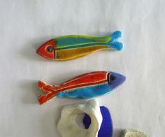 Small Fish, Elephant, Outdoor Decor, Kitchen, Etsy, Honey, Knives, Draw, Pebble Stone