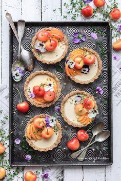 Raw white chocolate cheesecake tarts #vegan #chocolate