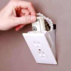 Hidden Outlet Wall safe - Can't have too much hidden storage in your small space Wall Safe, Hidden Rooms, Secret Rooms, Ideas Geniales, Wall Outlets, Electrical Outlets, Cool Inventions, Hidden Storage, Secret Storage