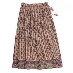 We love Soeur's LEA long skirt!