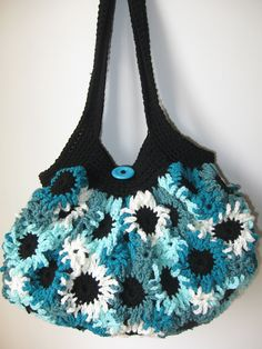 Gorgeous Bag Design  Free pattern  Ravelry: Crochet Flower Purse pattern by Meladora Lifshes