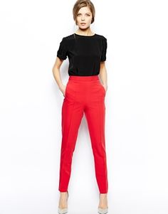 Red Pant Outfit Ideas Picture how to wear high waisted trousers colourful outfits red Red Pant Outfit Ideas. Here is Red Pant Outfit Ideas Picture for you. Red Pant Outfit Ideas how to rock mens red pants and look cool doing it. Trajes Business Casual, Business Casual Outfits, Office Outfits, Business Attire, Red Trousers Outfit, Trouser Outfits, Jean Outfits, Fashion Mode, Work Fashion