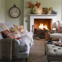 Having small living room can be one of all your problem about decoration home. To solve that, you will create the illusion of a larger space and painting your small living room with bright colors c… Cottage Living Rooms, Living Room Green, Living Room Interior, Home Living Room, Living Room Furniture, Country Furniture, Furniture Ideas, Cosy Living Room Decor, Small Cottage Interiors