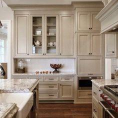 Taupe Kitchen Design Ideas 15 – Kök Ideer – diy kitchen decor on a budget Beige Kitchen Cabinets, Kitchen Cabinet Colors, Kitchen Redo, Kitchen Layout, Home Decor Kitchen, Home Kitchens, Kitchen Ideas, Wooden Cabinets, Small Kitchens