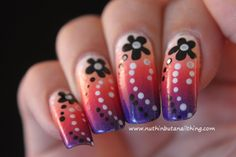 Gradient flower nail art #nailart #nails #nailstagram #bblogger #beauty #nailpolish #manicure #nailpolish #glitter #bling #sparkle #nailit